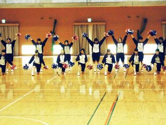 【中学校】Y1(中3)学年で チアダンス発表会を行いました
