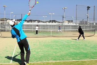 「第15回NaraTomi テニス大会」を開催しました