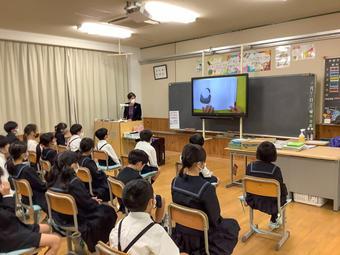 P3特別読み聞かせ授業!「タマコちゃんのじごくたんけん」