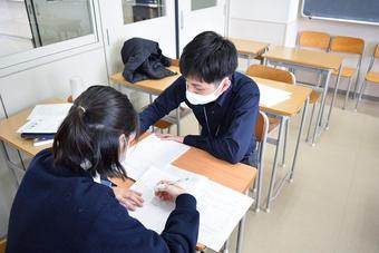 Y2(高1)学年で数学勉強会を実施しました