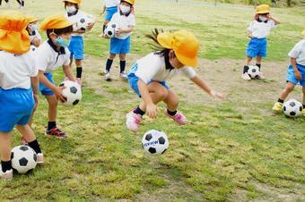 「体育の先生と遊ぼう」を行いました