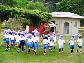 体育の先生と遊ぼう~サッカー楽しいね~