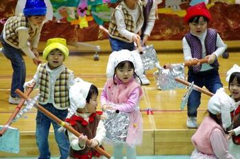 尚志祭 PP1『おおきなかぶ』劇遊び